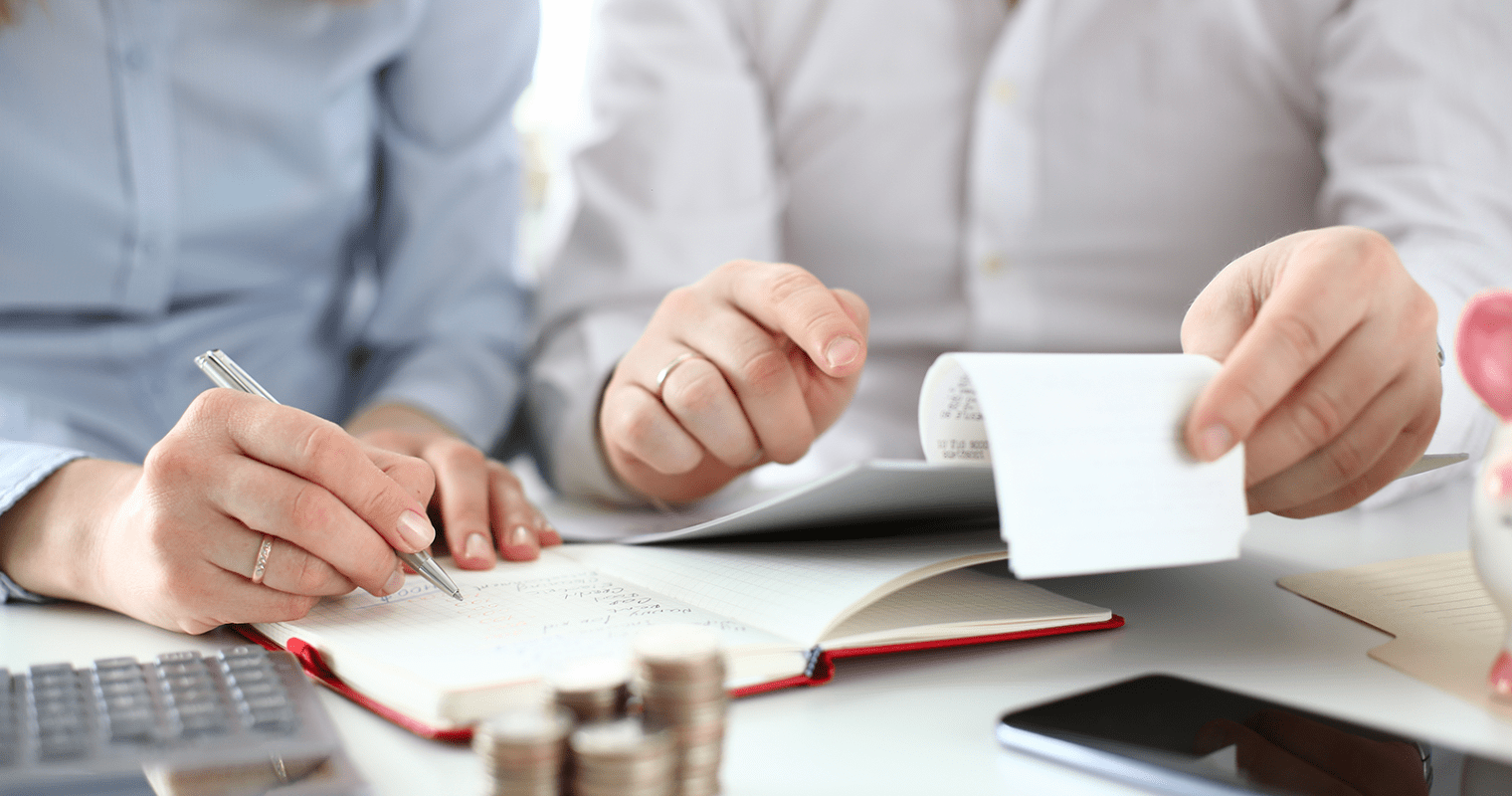 Tracking and Claiming Tax Deductible Business Expenses in Canada